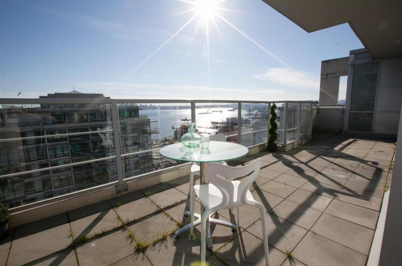 PH2 - 168 E Esplanade, Lower Lonsdale, North Vancouver 2