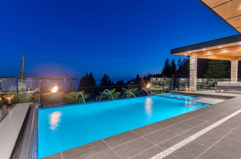 3325 Craigend Road, West Bay, West Vancouver 2