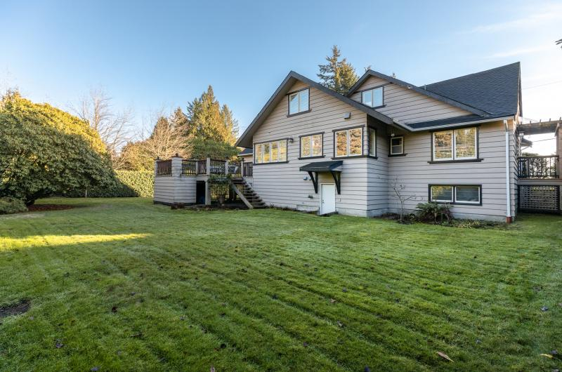609 Duchess Avenue, Park Royal, West Vancouver 3