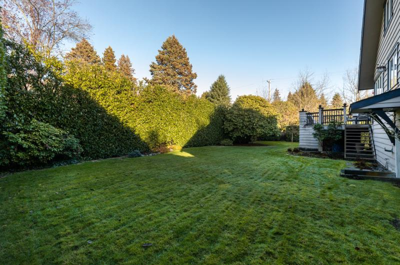 609 Duchess Avenue, Park Royal, West Vancouver 2