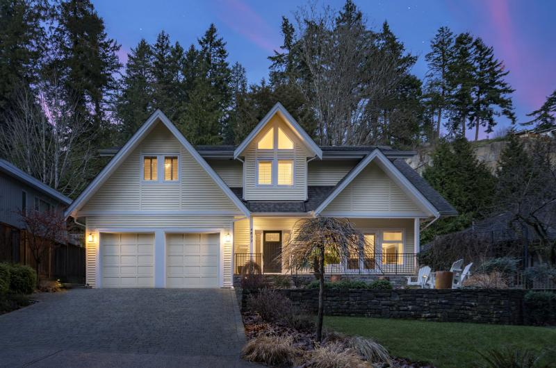 4877 The Dale, Olde Caulfeild, West Vancouver 2